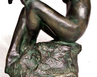"""BREEZE - Cold cast bronze sculpture by Lluis Jorda -10.4""""/26 cm ht. - 2,5 kg weight--------------20% discount on the price of this sculpture"""