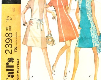 McCall's 2398, Misses dress, Size 14 1/2, Bust 37, © 1970