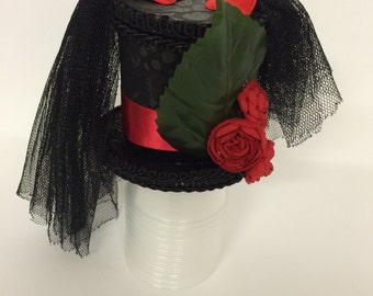 Rose and Leaf mini top hat
