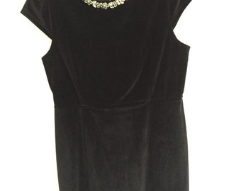 Little (Velvet) Black Dress