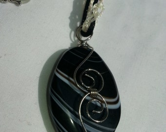 Black and Grey Wire Wrapped Teardrop Necklace - Claudia'sCrochet
