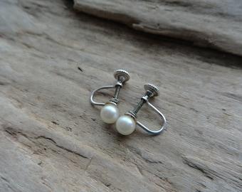 Vintage Faux Pearl Screw Back Stud Metal Earrings