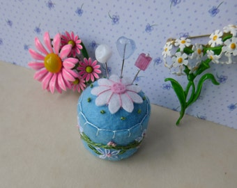 Summer Daisy Bottle Cap Pincushion