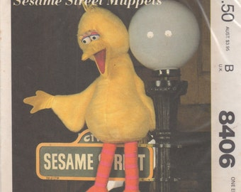 McCalls 8406 1980s Sesame Street Muppet Pattern BIG BIRD Soft Toy Vintage Toy Sewing Pattern 35 Inch UNCUT