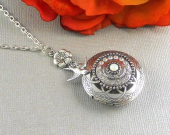 Silver Scented Locket, Scented, Perfume, aromatherapy, Bird, Sparrow, diffuser locket, Antique Silver, Herbal Locket