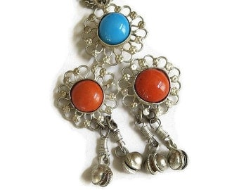 Vintage Egyptian or Ethnic Style Turquoise and Coral Glass Cabochons Dangle Pendant Necklace