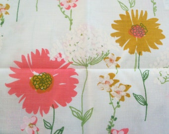 Vintage 70s Lady Pepperell Pink and Gold Floral Pillow Case Set - New