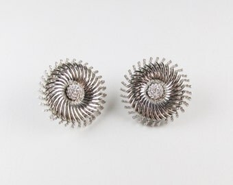 Vintage Earrings: Silver Tone Trifari Clip Ons