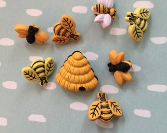 "Bee Buttons, Packaged Novelty Button Assortment, ""Buzzin Around"" Style 4253 by Buttons Galore, Package Includes Bees and Hives"