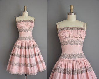 1950s dress/vintage 50s dress/ pink floral bombshell sun dress