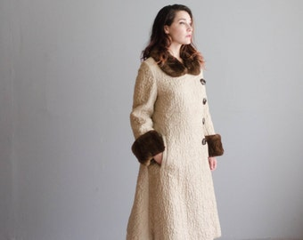 Vintage 1960s Coat - Fur Trim 60s Coat - Harina de Avena Coat