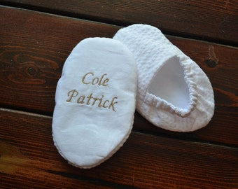 Personalized Name and Date Infant Baptism Crib Shoes - White Seersucker - Baby, Christening, Slippers, Godson, Goddaugther gift, Keepsake