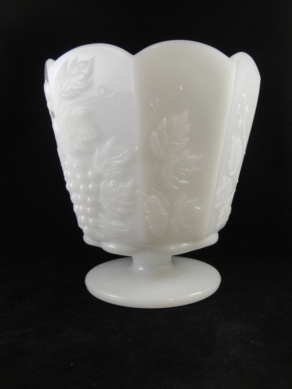 Brody Grape Pattern Milk Glass Vase Mj 20