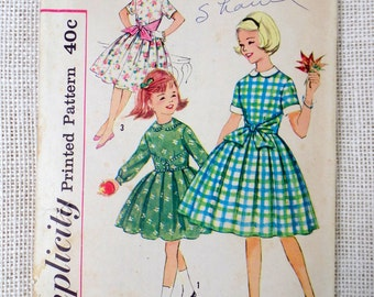 Vintage Simplicity 3568 Girls 1950s dress pattern chest 28 full Skirt tie waist New Look