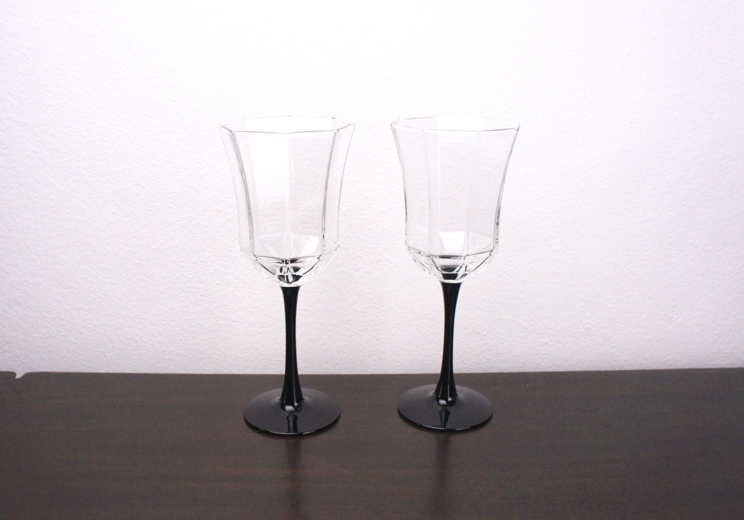 Vintage Arcoroc Set Of Two Large Wine Glasses Water Goblets