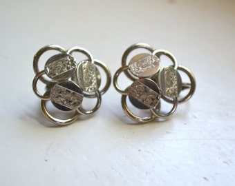 1970s Sarah Coventry Circles Silver Clip Earrings