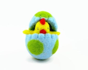 Felted Easter Chick in an Easter Egg, Surprise Egg, Waldorf Toy
