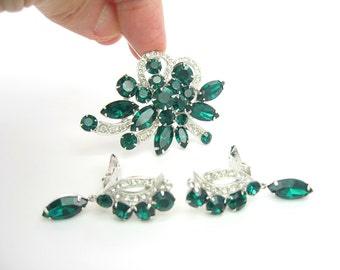 Eisenberg Jewelry Set. Rhinestone Brooch & Dangle Earrings. Emerald Green Ice Crystal Ribbons. Silver Tone. Vintage 1970s Glamour Jewelry