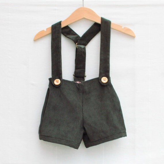 Retro shorts and braces | Green cord