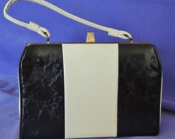 Mid Mod Black and White Patent Purse Handbag 1960's