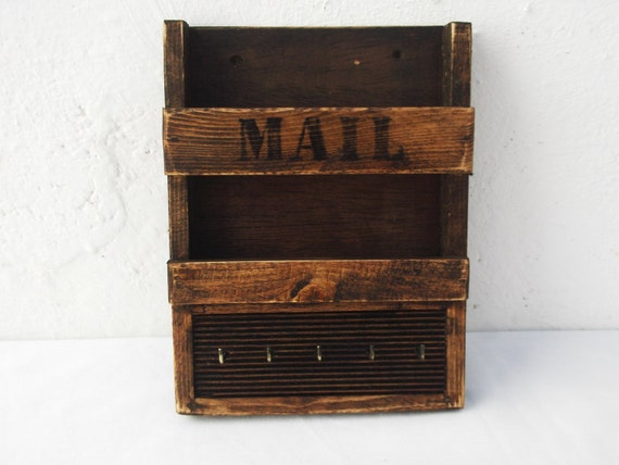 rustic mail holder and key rack decorative by regalosrusticos. Black Bedroom Furniture Sets. Home Design Ideas