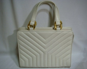 Vintage Yves Saint Laurent camel white leather tote bag in Y stitch. Perfect vintage purse from YSL back in the era.