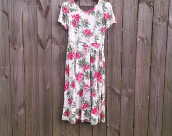 S M Small Medium Vintage 80s Melissa Made in USA 100% Cotton Floral Print Spring Summer Short Sleeve Bow Garden Party Midi Dress