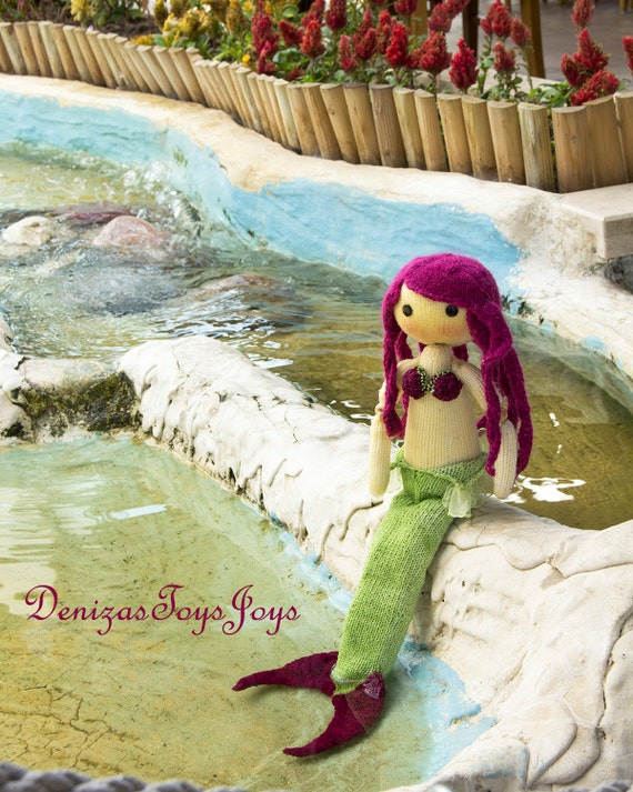 Mermaid Doll. pdf knitting pattern. Knitted in the round.