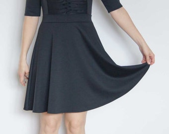 Dress, black, jersey dress, knee-length, fit and flare, comfortable dress with flared skirt