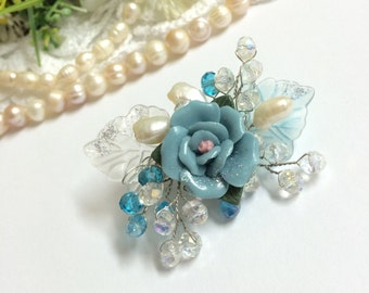 Flower brooch, pearl flower accessories, pearl brooch, bridal brooch, wedding brooch, mother of the bride brooch, bridesmaid brooch