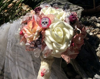 Skull Wedding-Victorian Gothic Wedding Flowers Bouquet-Gothic Fantasy Wedding Bridal Flowers-Ivory/Pink/Black-Day of the Dead-Skull Flowers