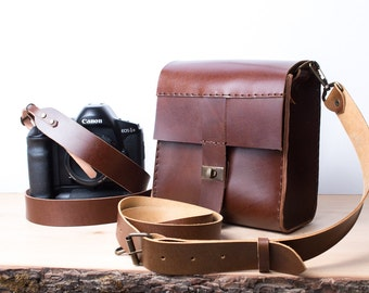 Camera bag + camera strap both with personalization. Cognac color.