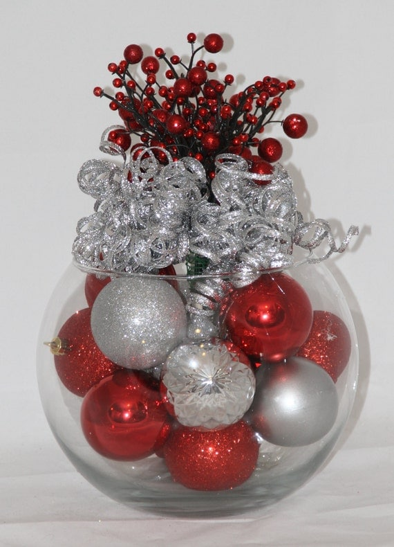 Christmas centerpiece red and silver by glitterglassandsass
