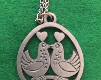 Vintage Metal Lovebirds Pendant Necklace
