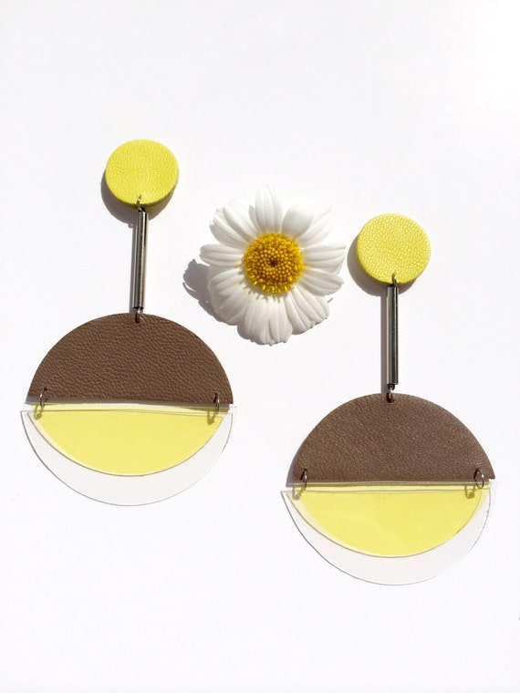 Sputnik earrings in mocca brown and yellow leather and yellow and transparent plastic
