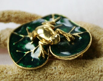 Vintage Frog on Lilly Pad Pin / Great Frog brooch..