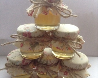 Vintage Style / Wedding Favours / Country Wedding / Min Jars Honey / Pure Honey /Edible Favours