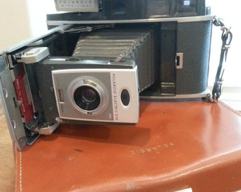 VINTAGE 1960s Polaroid 900 Electric Eye Land Camera