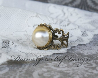 Pearl ring, vintage pearl ring, creme pearl, ring, filigree, adjustable ring