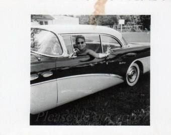 Vintage Photo ~  classy ride ~ old car snapshot