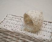Knit Newborn Bonnet; Classic Bonnet; Perfect Fit Bonnet; Cream; Newborn Bonnet Prop; Newborn Hat; Unisex Bonnet; Newborn Photo Prop