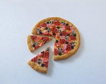 Handmade Polymer Clay Dollhouse Miniature Sliced Pizza