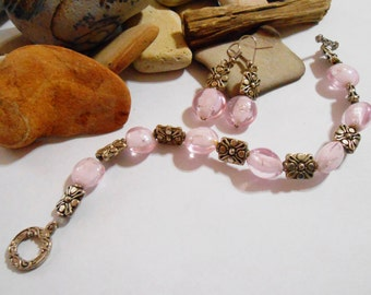 Pink glass bracelet and earrings. Pale pink bracelet and earrings. Pink and silver bracelet. Light pink bracelet and earrings.