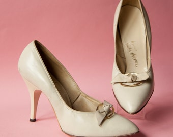 1950's Miles Fifth Avenue Cream Leather with Bow Pumps