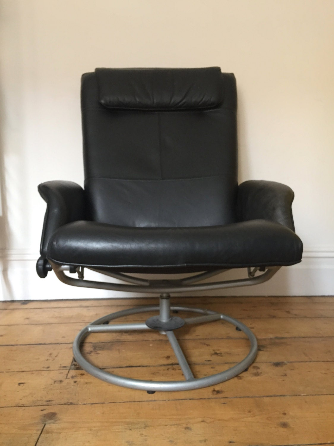 Vintage Retro Black Faux Leather Swivel Chair Mid Century Design