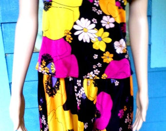 Vintage 1960's Psychedelic Mod Flower Power Palazzo Polyester Pantsuit 60's Theme Costume Approx Size Lg/Long  Halloween/Drag Queen Costume