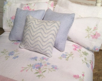 Shabby Chic Handmade Miniature Dollhouse Duvet Set - White with Pink Flowers
