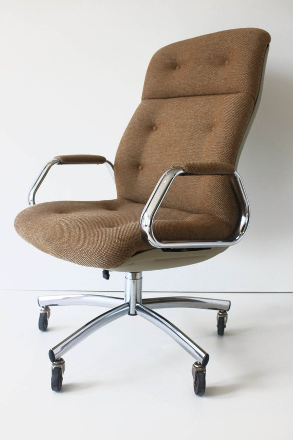 Steelcase High Back Shell Executive Office Chair Swivels