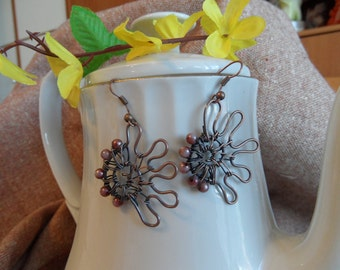 Copper wire shell earings with beads