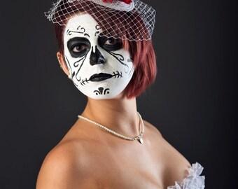 Dia de los Muertos Bridal Wedding Fascinator Groom Sugar Skull Headdress White Bride Veil Day of the Dead Red Flower Headpiece Skeleton